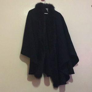Jackets & Blazers - Faux fur black Wool Poncho